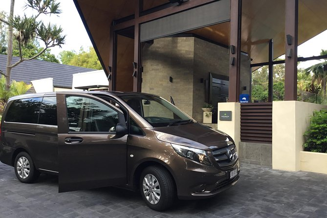Mercedes 7 seat Limousine Cairns Airport to Port Douglas