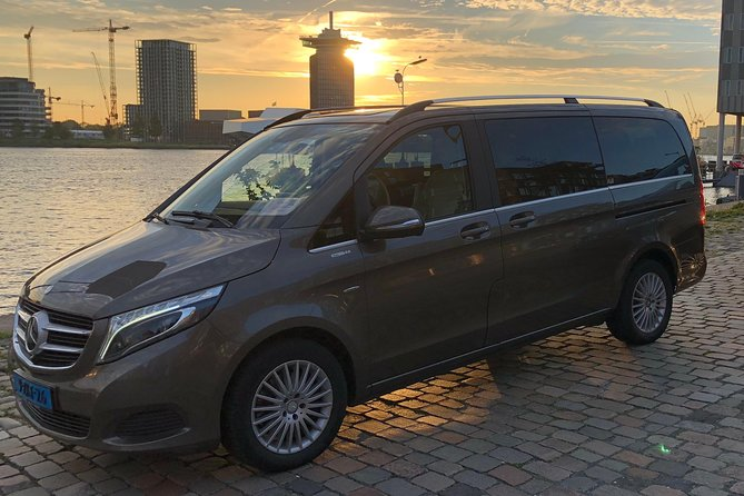 Roundtrip Private Transfer Schiphol Airport to Amsterdam