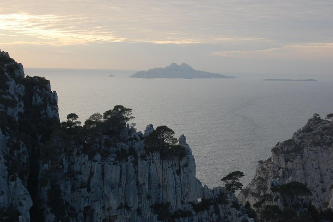 Private Transfer from Toulon Hyeres Airport to Le Trayas