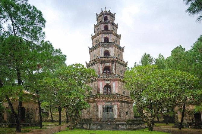 One-way Private Transfer between Hue and Hoi An or Da Nang