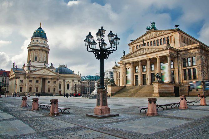 1-way private transfer Berlin to Karlovy Vary - Mercedes Benz - up to 8 persons