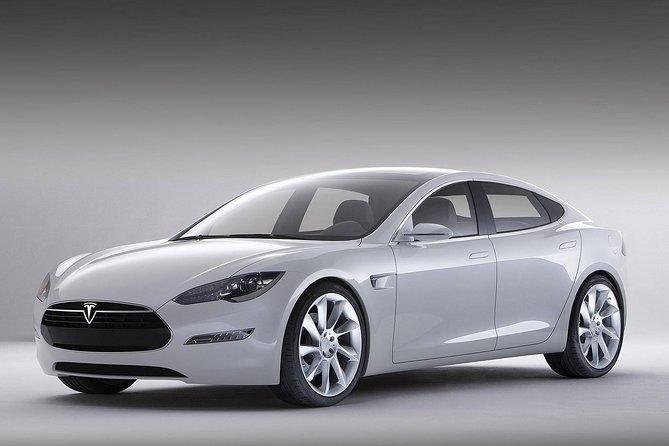 Luxury Shanghai Hongqiao or Pudong Airport Transfers by Tesla