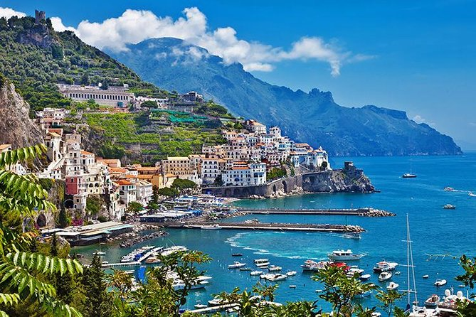 Pompeii, Positano,Sorrento with guide, tickets and lunch all included
