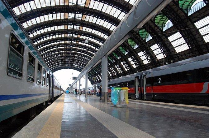Traslado privado de partida na estação ferroviária de Nápoles