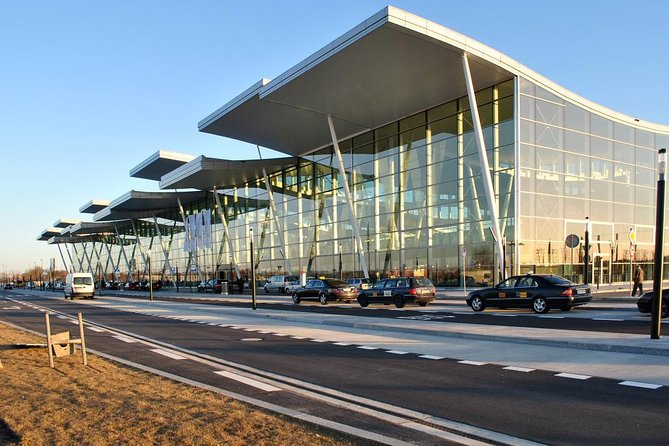 Wroclaw Copernicus Airport 1-3 pax one way private transfer
