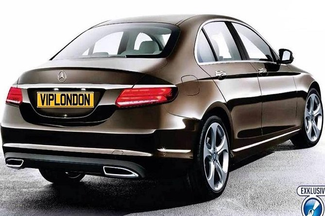 Private Arrival Transfer: London Gatwick Airport to Central London for Up to 3 Passengers