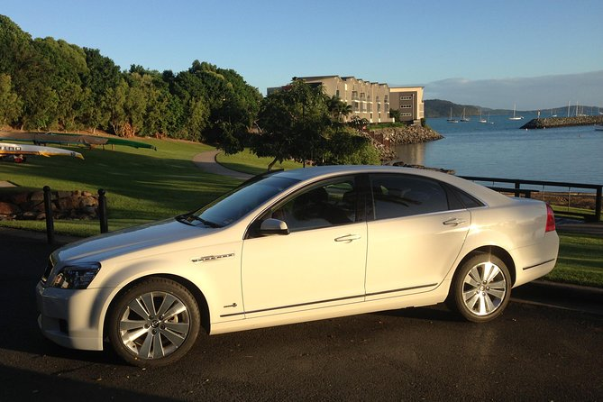 Limo from Airlie Beach to Proserpine airport