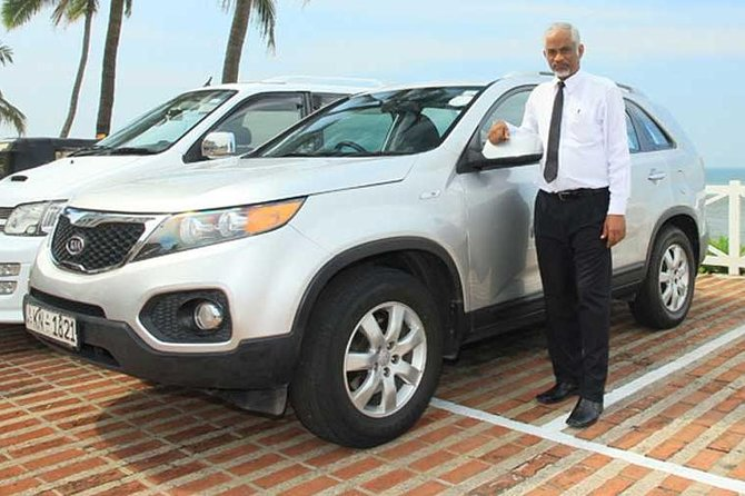 Private Arrival Transfer: Colombo International Airport (CMB) to Galle Hotels