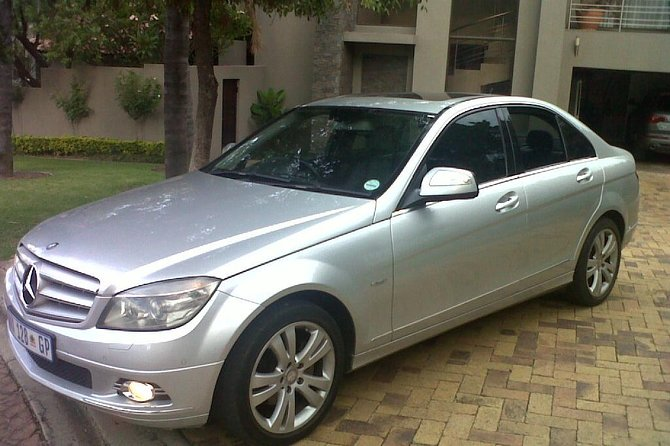 Private Airport Transfers from Sandton to Johannesburg Airport