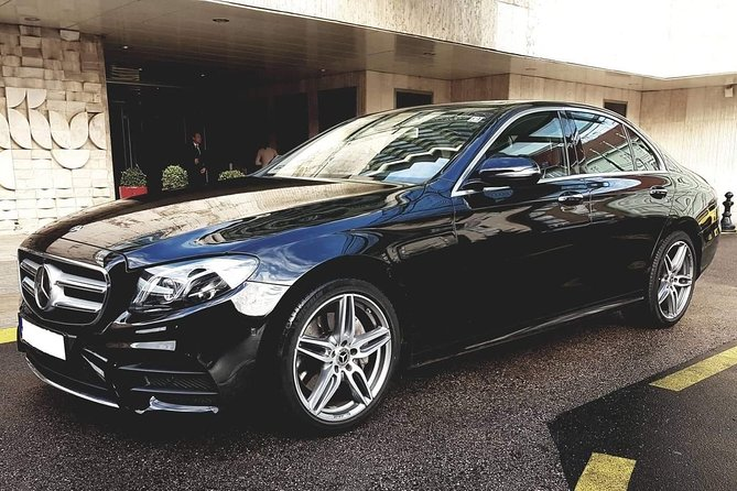 Budapest Private Round Trip Airport Transfer in a Luxury Car