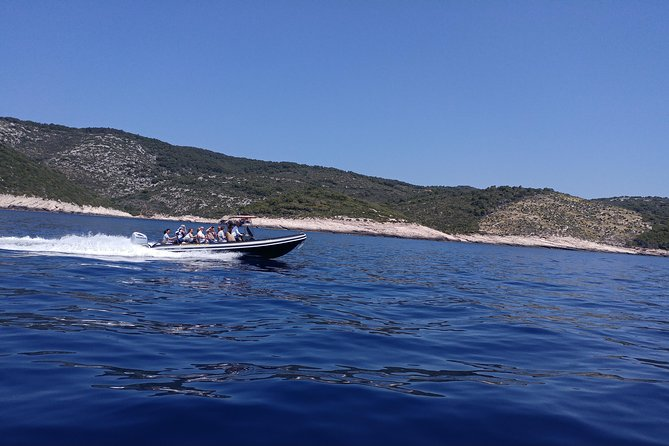 Private 5-Islands Speed Boat Tour from Split or Trogir