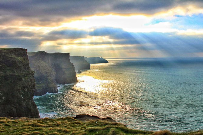 Cliffs of Moher Tour Including Wild Atlantic Way and Galway City from Dublin