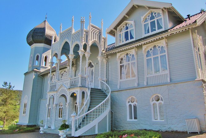 PRIVATE DRIVER TOUR: The Island of Light - 10:15 tour from Bergen to Lysoen, 4 hours