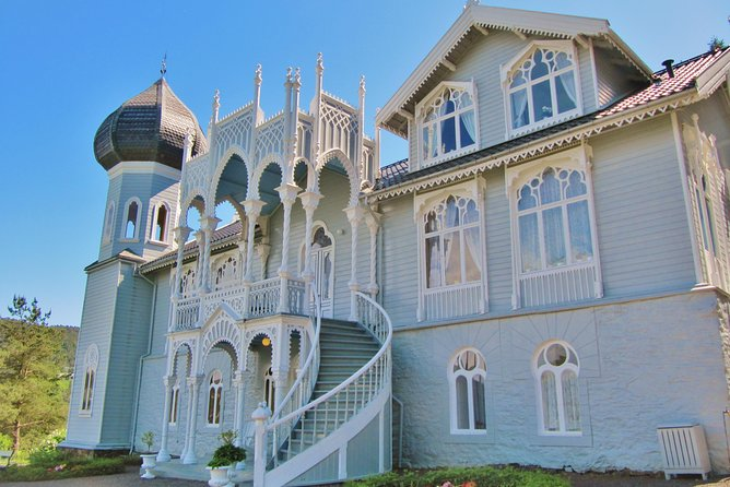 PRIVATE DRIVER TOUR: The Island of Light - 12:15 tour from Bergen to Lysoen, 4 hours