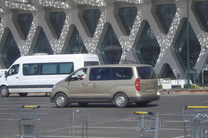One-Way Marrakech-Menara Private Airport Transfer