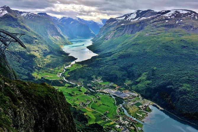 TRANSFER, LUXURY VAN 1-7 PAX: Bergen – Olden, Loen, Stryn