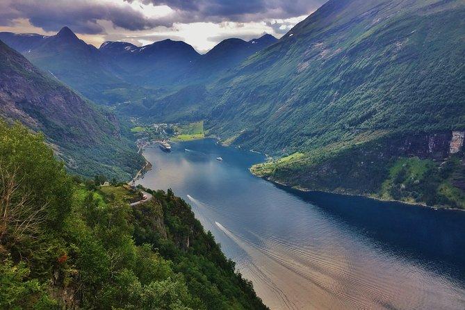 TRANSFER, LUXURY VAN 1-7 PAX: Bergen – Geiranger