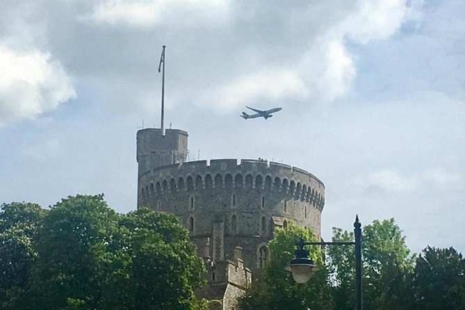 Gatwick Airport Arrival To London Via Windsor Castle