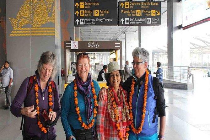 Delhi: Private Airport or Hotel Transfer to Agra