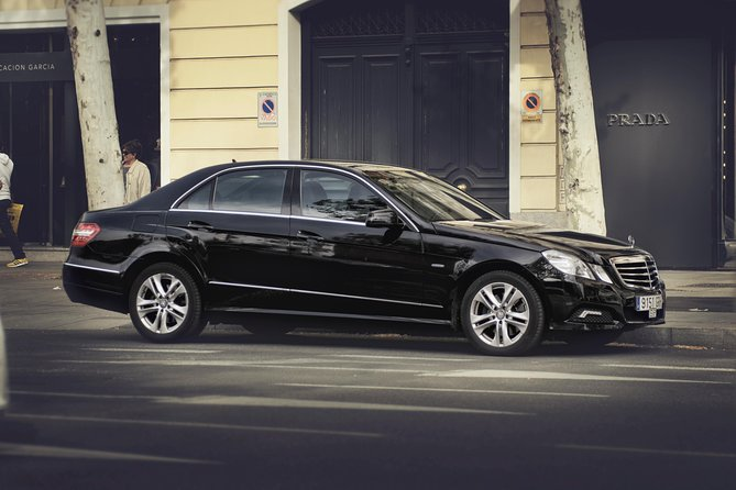 Departure Private Transfer Barcelona City to Barcelona Port by Business Car