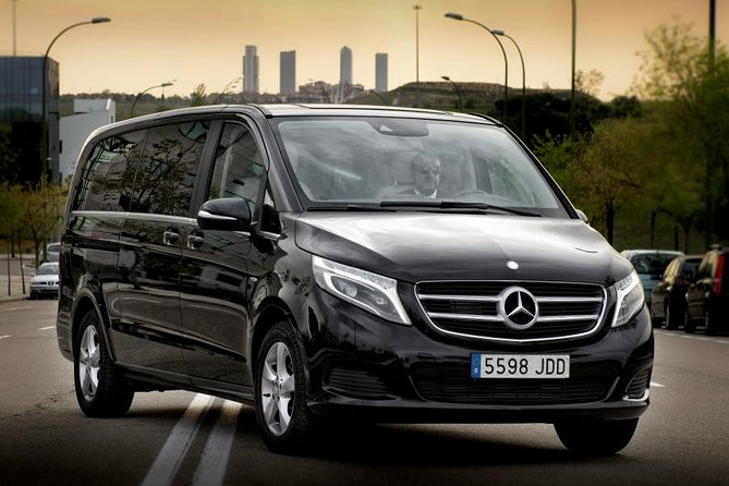Berlin City Departure Private Transfer to Berlin Brandenburg BER in Luxury Van