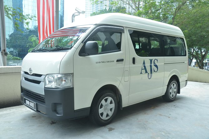 Private Departure Transfer: Kuala Lumpur International Airport (KLIA1 or KLIA2)