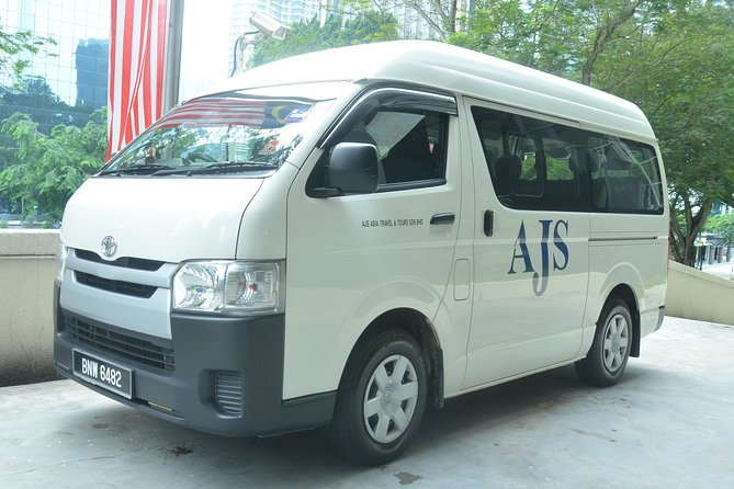 Arrival Transfer: Kuala Lumpur Airport to Kuala Tembeling Jetty (Taman Negara)