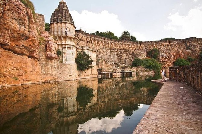 Private transfer: Jaipur to Udaipur enroute Trip to Chittorgarh Fort with lunch