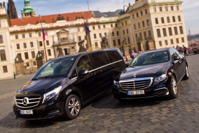 3 Hour Private Transfer: Passau to Prague
