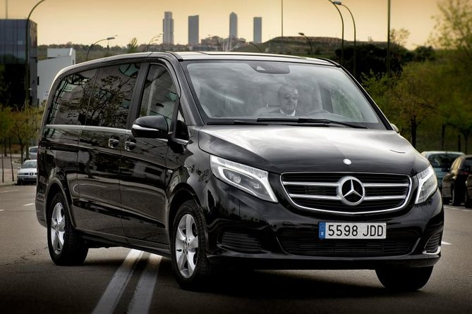 Departure Private Transfer Edinburgh City to Glasgow GLA Airport by Luxury Van