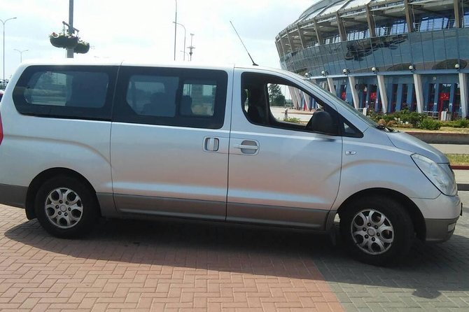 Private Minivan Departure Transfer: Minsk (any address) to Minsk Airport