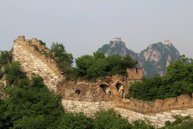 Day Tour to Simatai Great Wall and Gubei Water Town with Private Driver