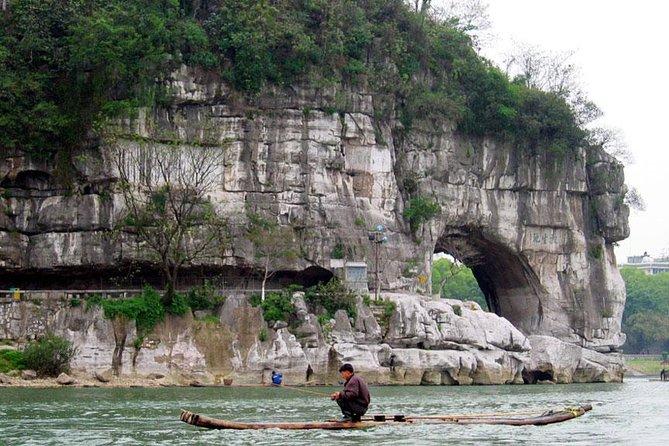 Excursão de dia inteiro em Guilin, incluindo Fubo Hill, Reed Flute Cave, Elephant Hill e Seven Star Park