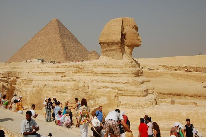 Private Half- Day Tour: Great Pyramids - Sphinx - Egyptian Museum