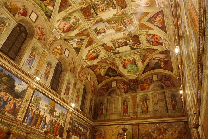 Skip the line Sistine Chapel evening tour with Vatican Museums
