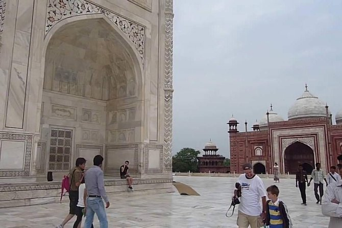 Taj Mahal Day Tour By Fastest Train With Lunch