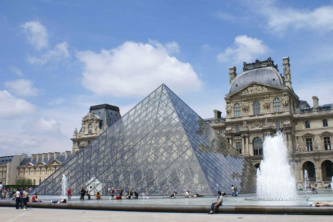 Private Tour of the Louvre Museum with Skip the Line Entry