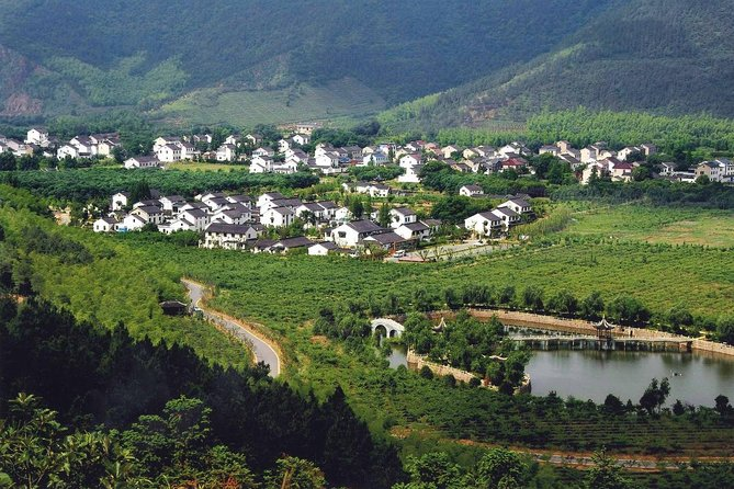 Private Day Trip to Suzhou Eco Village with Hot Spring Spa from Shanghai