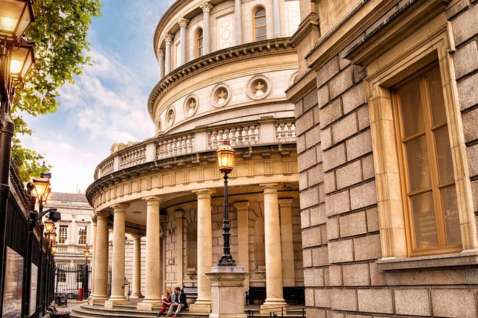 Best of Irish History & Treasures Tour with Fully Guided Access to National Irish Museum