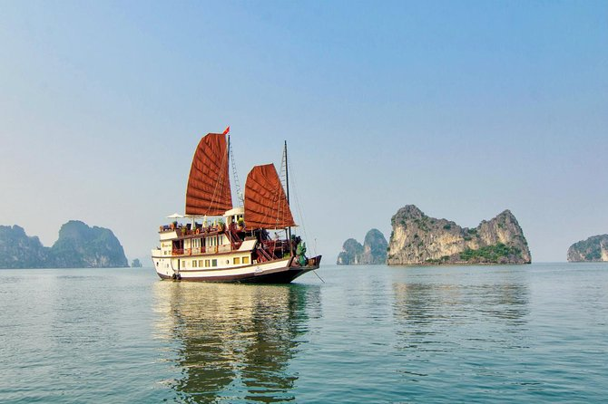 Ha Long Bay 2D1N on a 2-Star Cruise