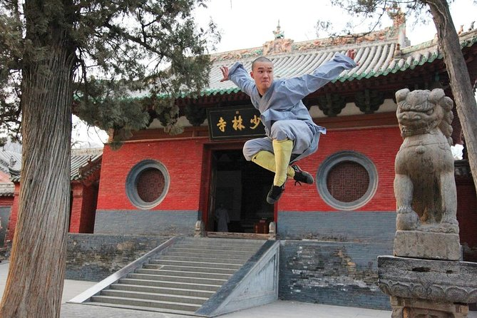 Private Day Tour to Shaolin Temple from Zhengzhou with Flexiable Departure Time
