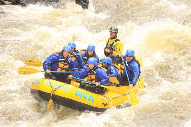 Rafting en aguas rápidas de medio día en Upper Clear Creek desde Idaho Springs