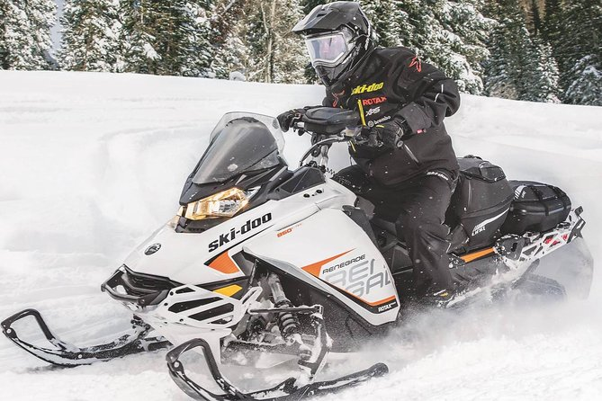 Mont-Tremblant Guided Snowmobile Tours photo 8