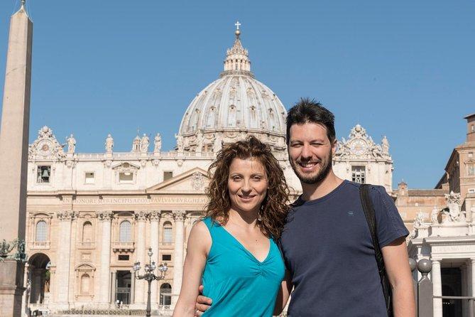 Excursão a pé com ingresso com hora marcada para os Museus do Vaticano e um guia falante de português: Capela Sistina e Basílica de São Pedro