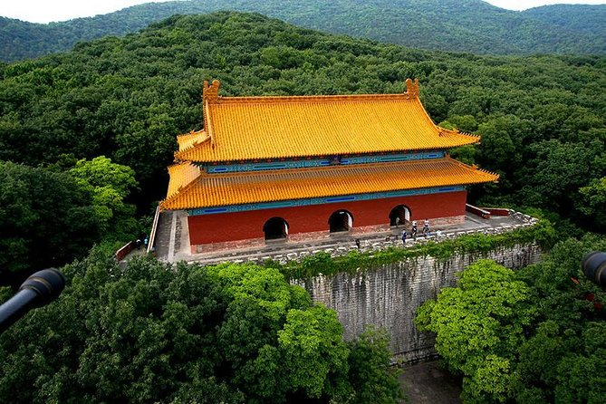 Nanjing Private Tour to Xiaoling Tomb and Linggu Temple with Tangshan Hot Spring
