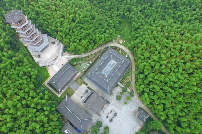 2-Day Live-in Temple Buddhist Monk Mediation Experience from Hangzhou