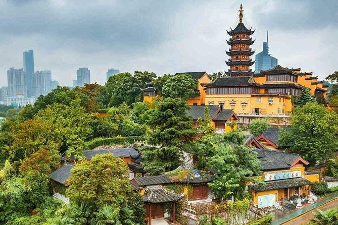 4-Hour Nanjing Private Tour: Nanjing Jiming Temple, Ming City Wall, Xuanwu Lake