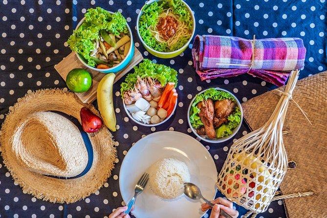 Enjoy Thai lunch at Na Beach on Koh Miang