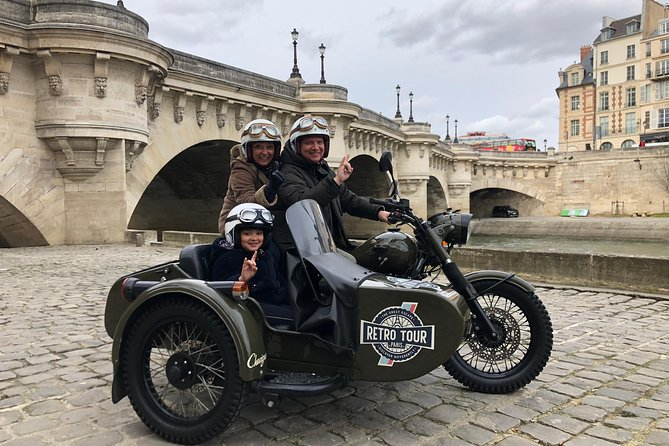 Best Visit of Paris: Half Day tour in Vintage Sidecar Motorcycle Ural