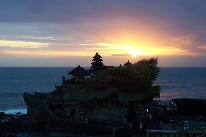Ubud Handmade Craft & Tanah Lot during Sunset